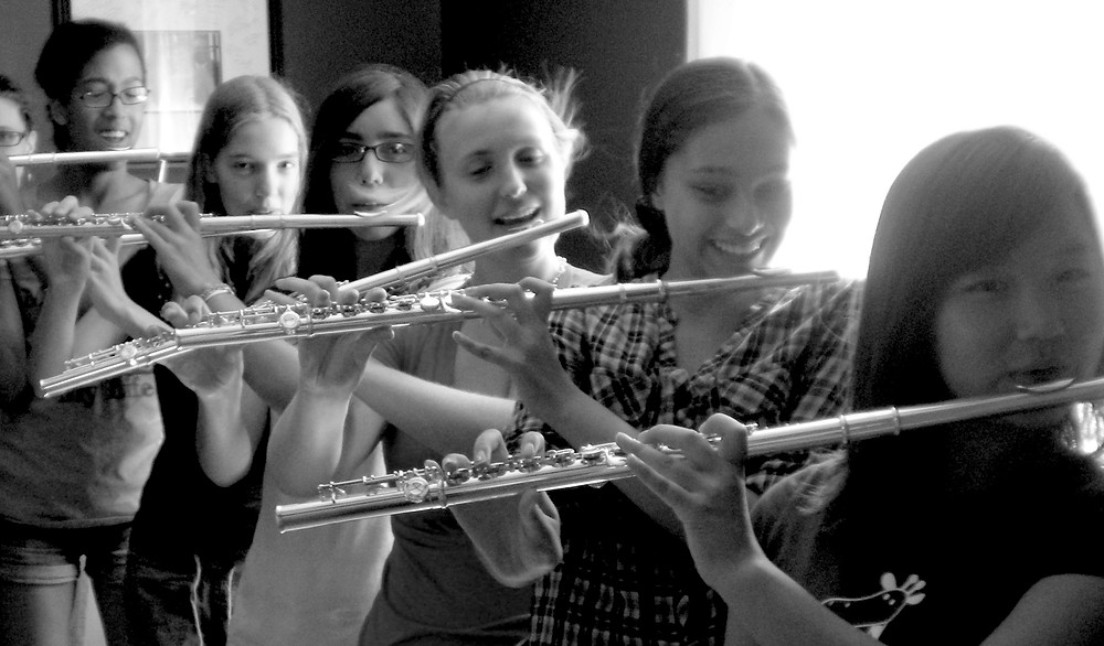 Older students can easily manage the full flute with a straight headjoint.