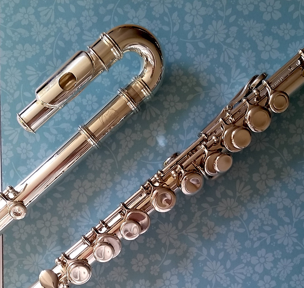 Jupiter Prodigy flutes have curved heads and ergonomic keywork