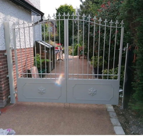 White metal double gates_edited.jpg