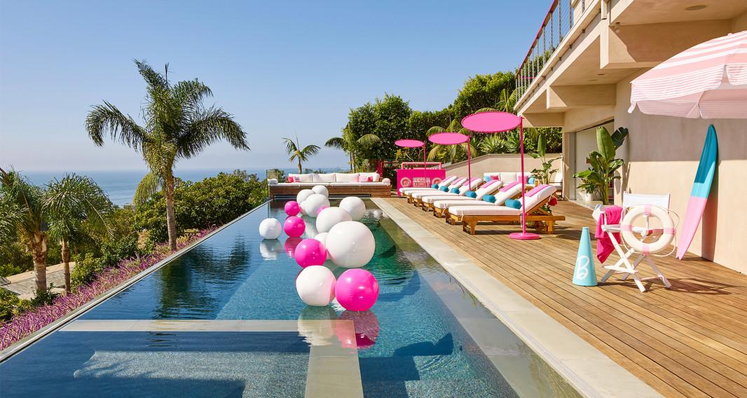 Barbie x Airbnb Dreamhouse