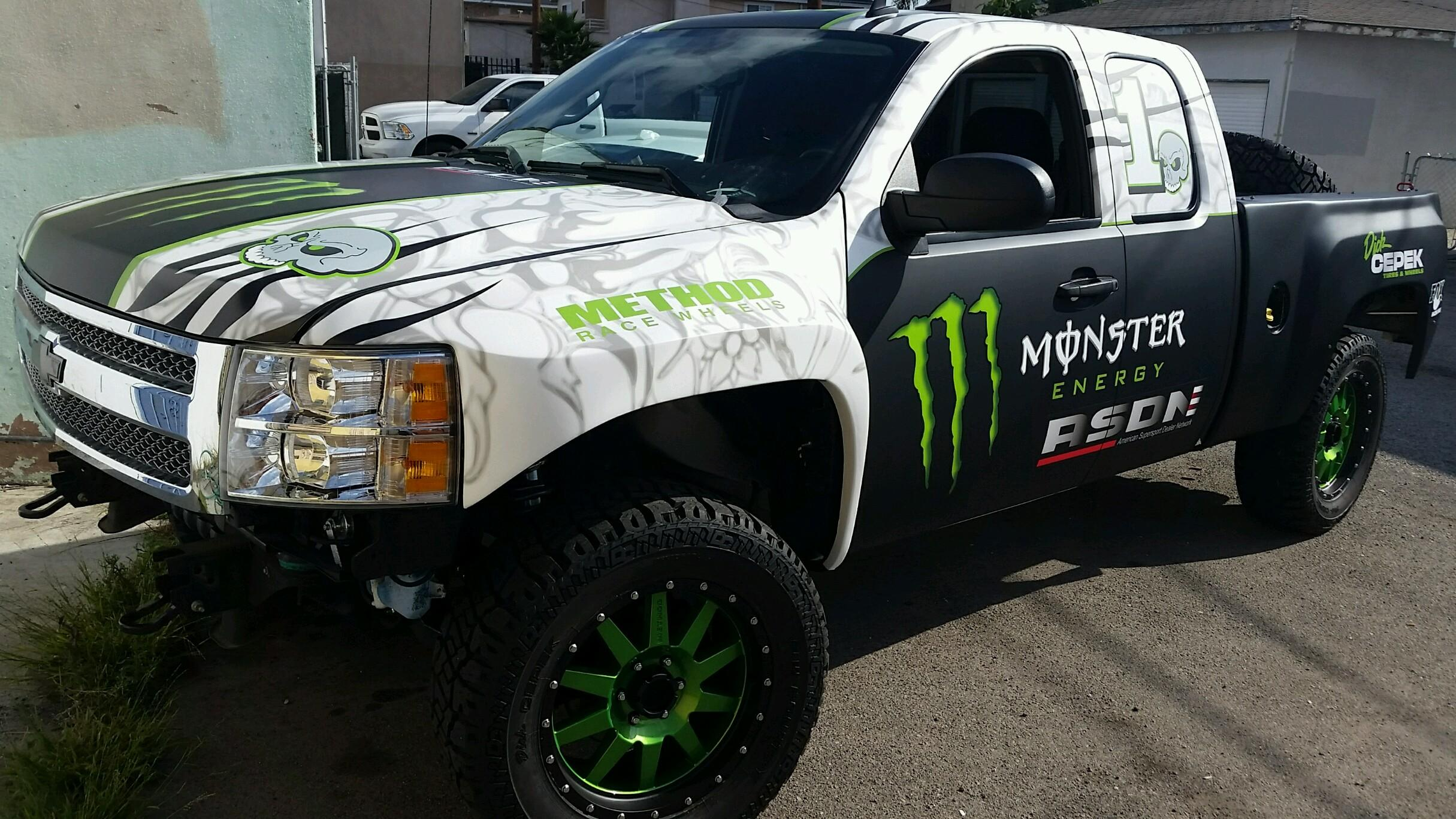 custom trophy truck wrap