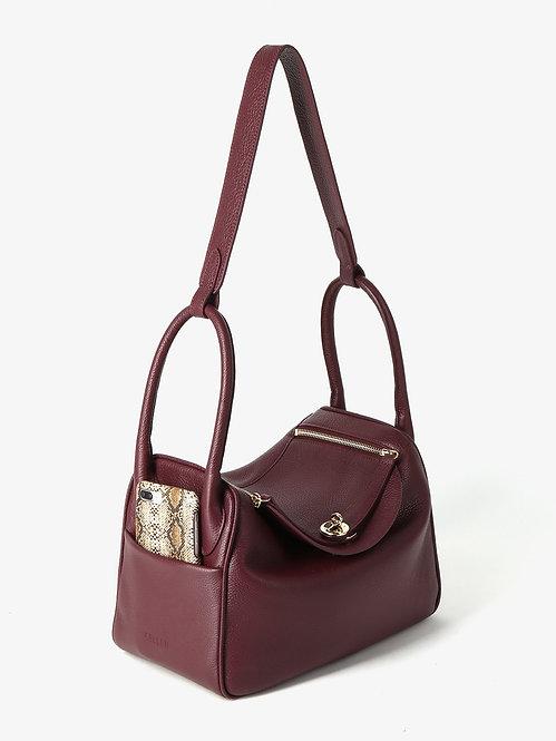 Черная кожаная Бордовая сумка с оригинальными ручками KELLEN