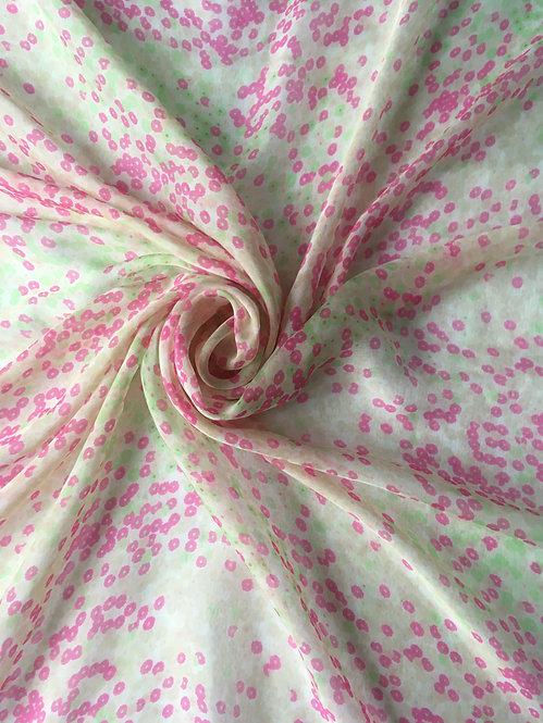 Платок в бело-розовых тонах