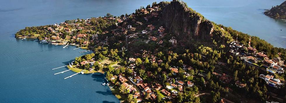 Lago-Avandaro-en-Valle-de-Bravo.jpg