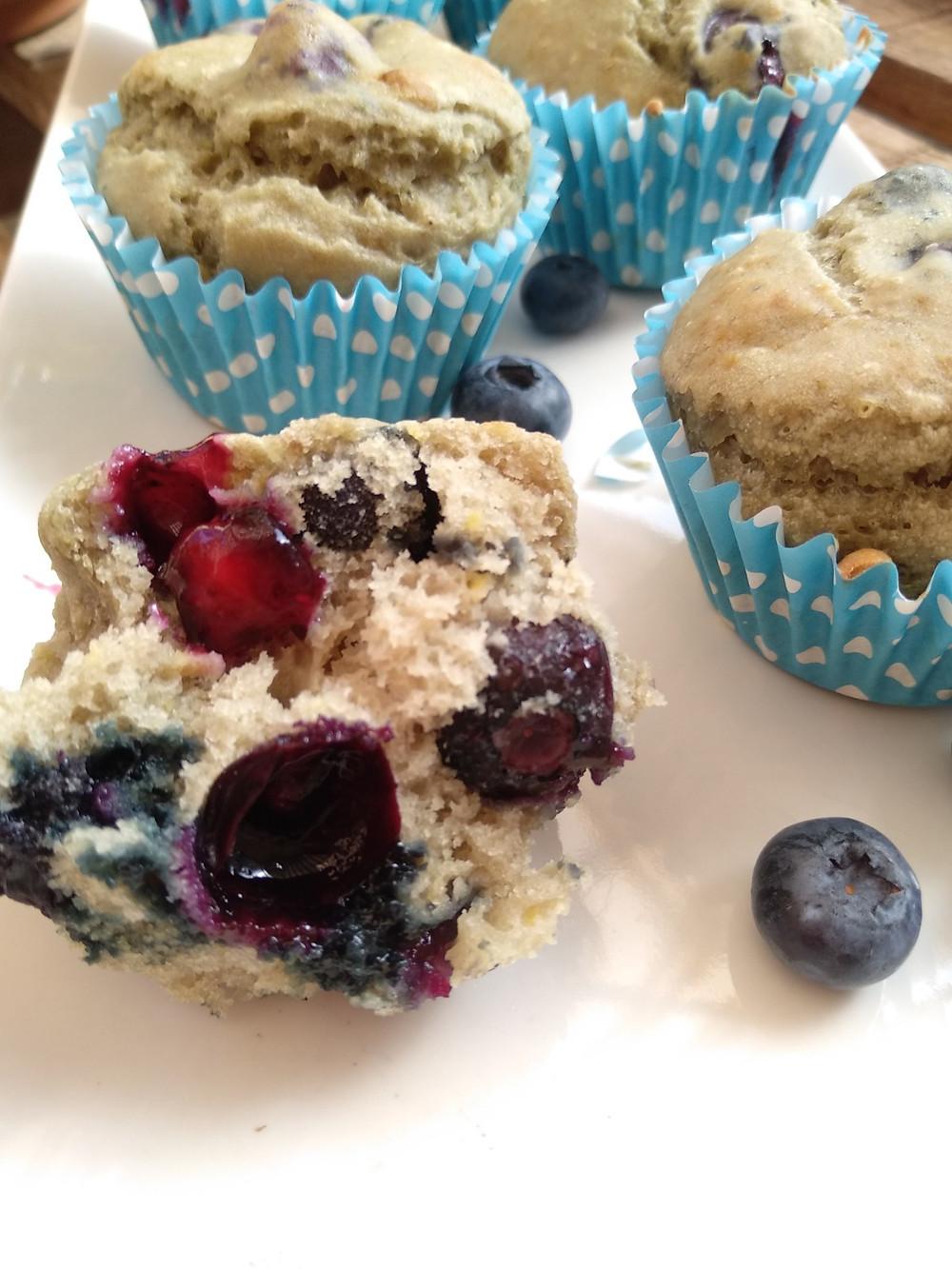 Muffins veganos de arándanos
