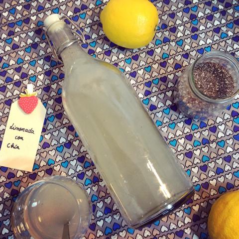 Agua de limón con semillas de chia