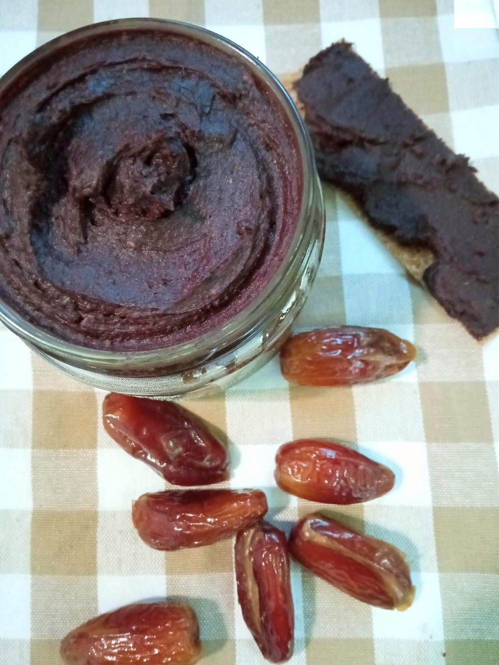 Crema de cacao vegana sin azúcar elaborada con thermomix.