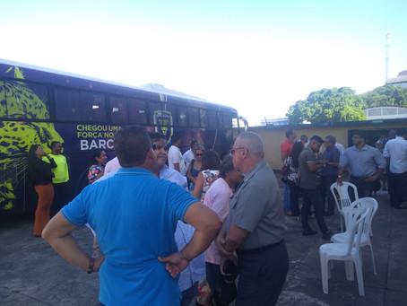 Barcelona marca presença na entrega do gramado do Estádio Mário Pessoa