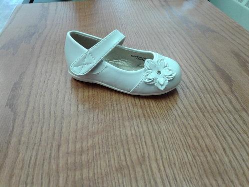 White dress shoe, infant