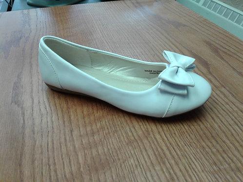 White ballet flat shoe