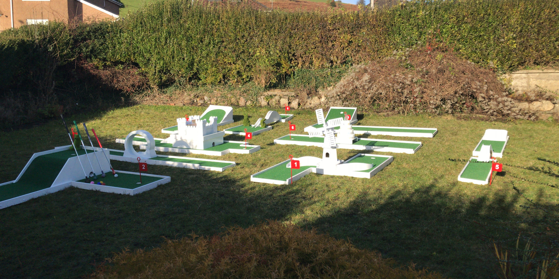 Hire Mini Golf For Your Wedding