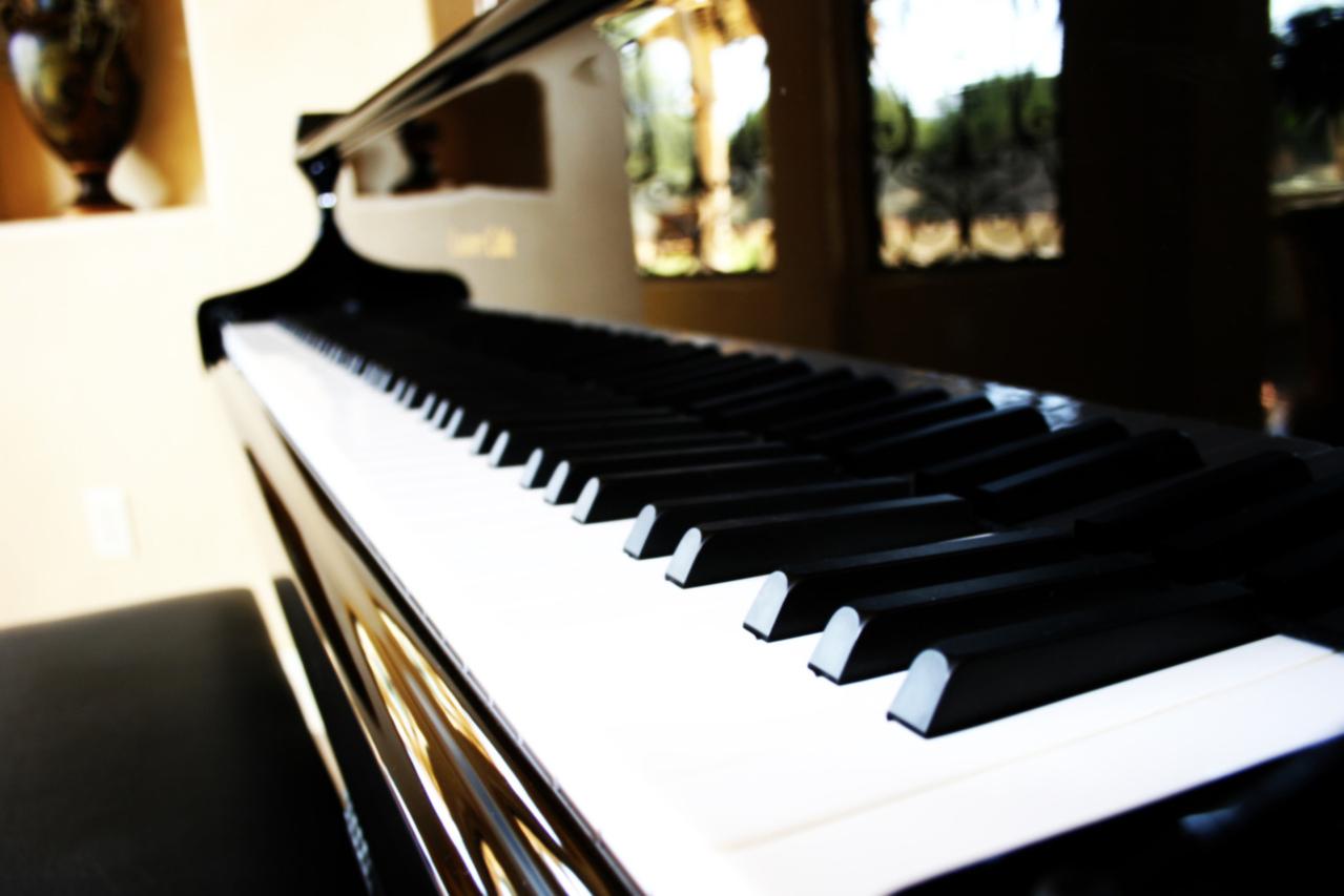 piano-1183508-1279x852