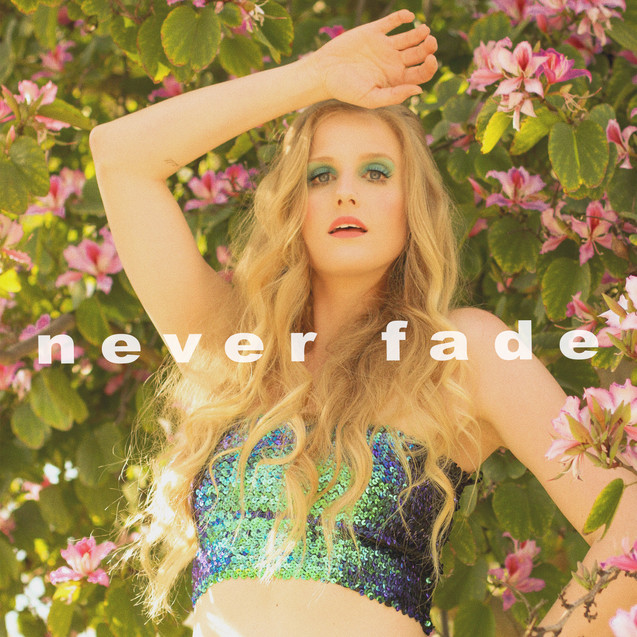 Teliiis - Never Fade Cover Art