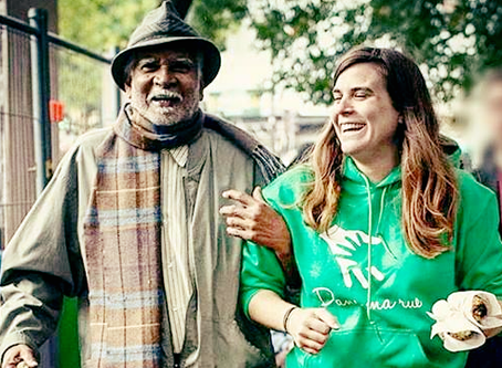 Comment recréer du lien social avec un sans-abri ?