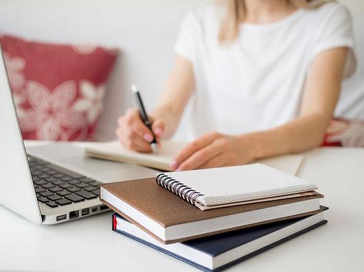 clases-linea-escritura-estudiantil_23-21