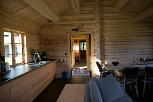 Hallway northern lodge.jpg