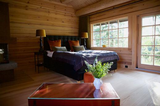 Master bedroom southern lodge.jpg