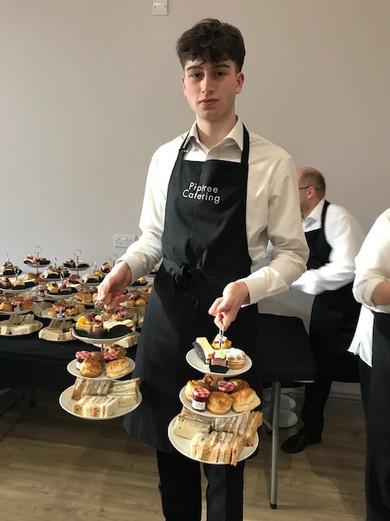 waiter 1.jpg