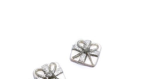 PRESENTS in Silver and Pearl