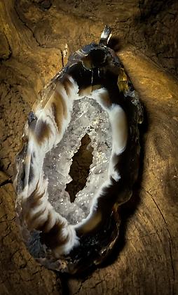 Small Oco/Ocho Geode Slice Silver Delicate Pendant