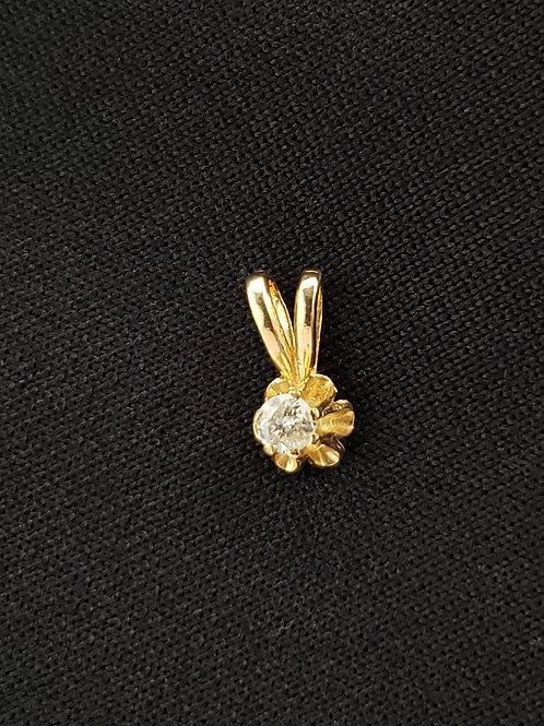 14k Gold Round Cut 3mm Diamond Buttercup Pendant