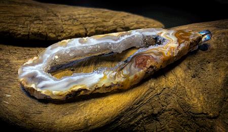 Medium Oco/Ocho Geode Slice Silver Delicate Pendant