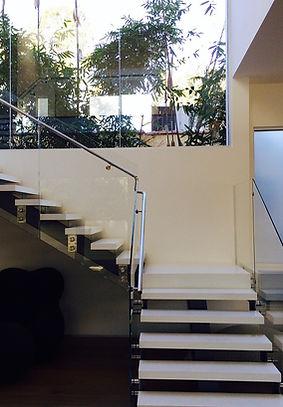 Frameless Glass, Glass Rail, Frameless Glass Rail, Glass Stairs, Frameless Shower Door, Frameless Glass Door, Home renovation Los Angeles, Glass Rail Santa Monica, Glass Rail Malibu, Glass Rail Beverly Hills, Glass Rail Hollywood, Custom Glass, Mirror
