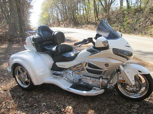 W California Sidecar Viper