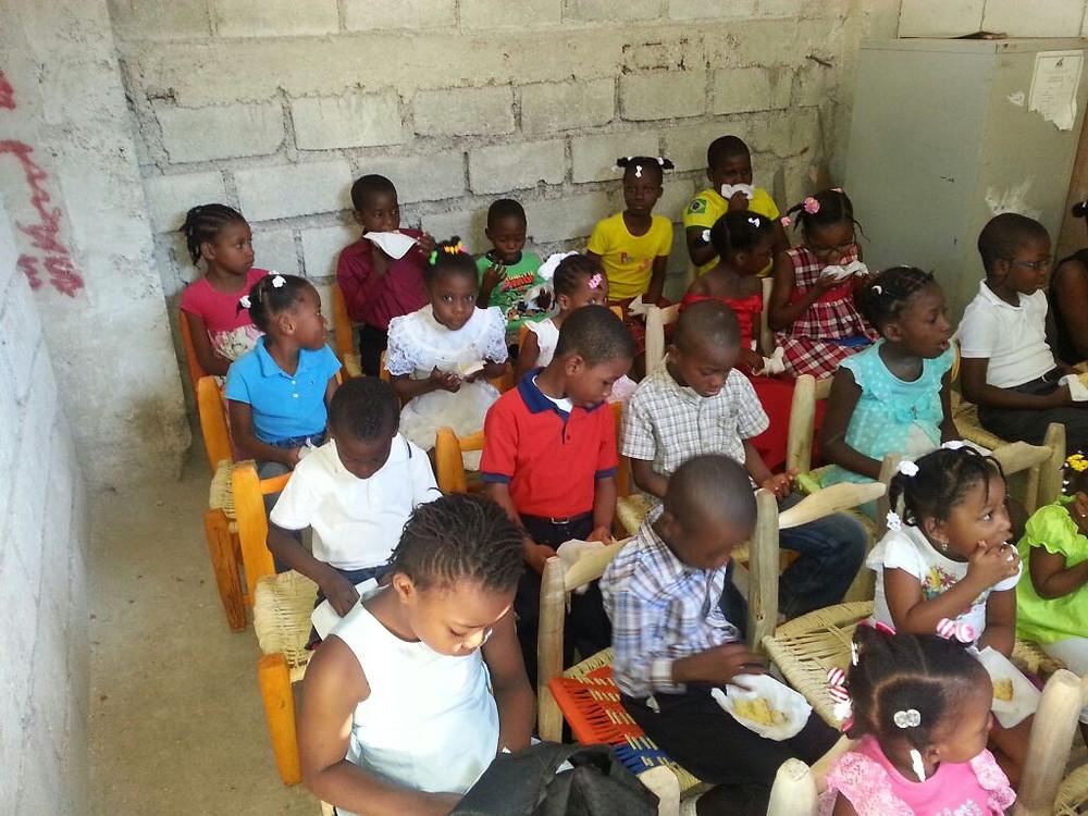 Bolo_Crianças_Haiti.jpg