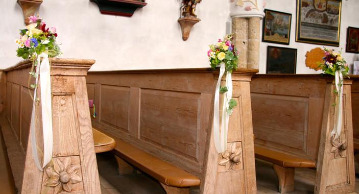 Hochzeits_Dekoration_Kirche_Epps_BlumenCult4.jpg