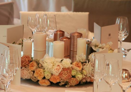 Hochzeit_Tischdeko_Epps_BlumenCult6.jpg
