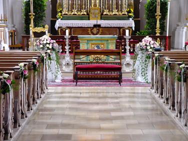 Hochzeits_Dekoration_Kirche_Epps_BlumenCult5.jpg