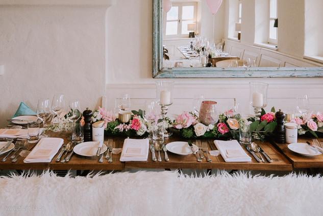 Tischdeko_Hochzeiten_Epps_BlumenCult01.jpg