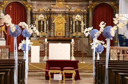 Hochzeits_Dekoration_Kirche_Epps_BlumenCult6.jpg
