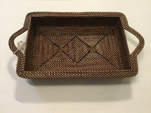 Calaisio hand woven basket - Medium. Comes with 2 quart 8x12 glass Pyrex dish.