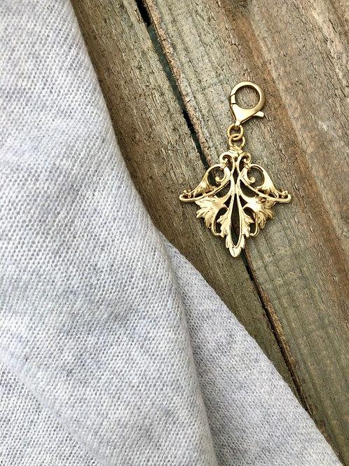 Harriet & Vee 22 kt matte gold plated pendant