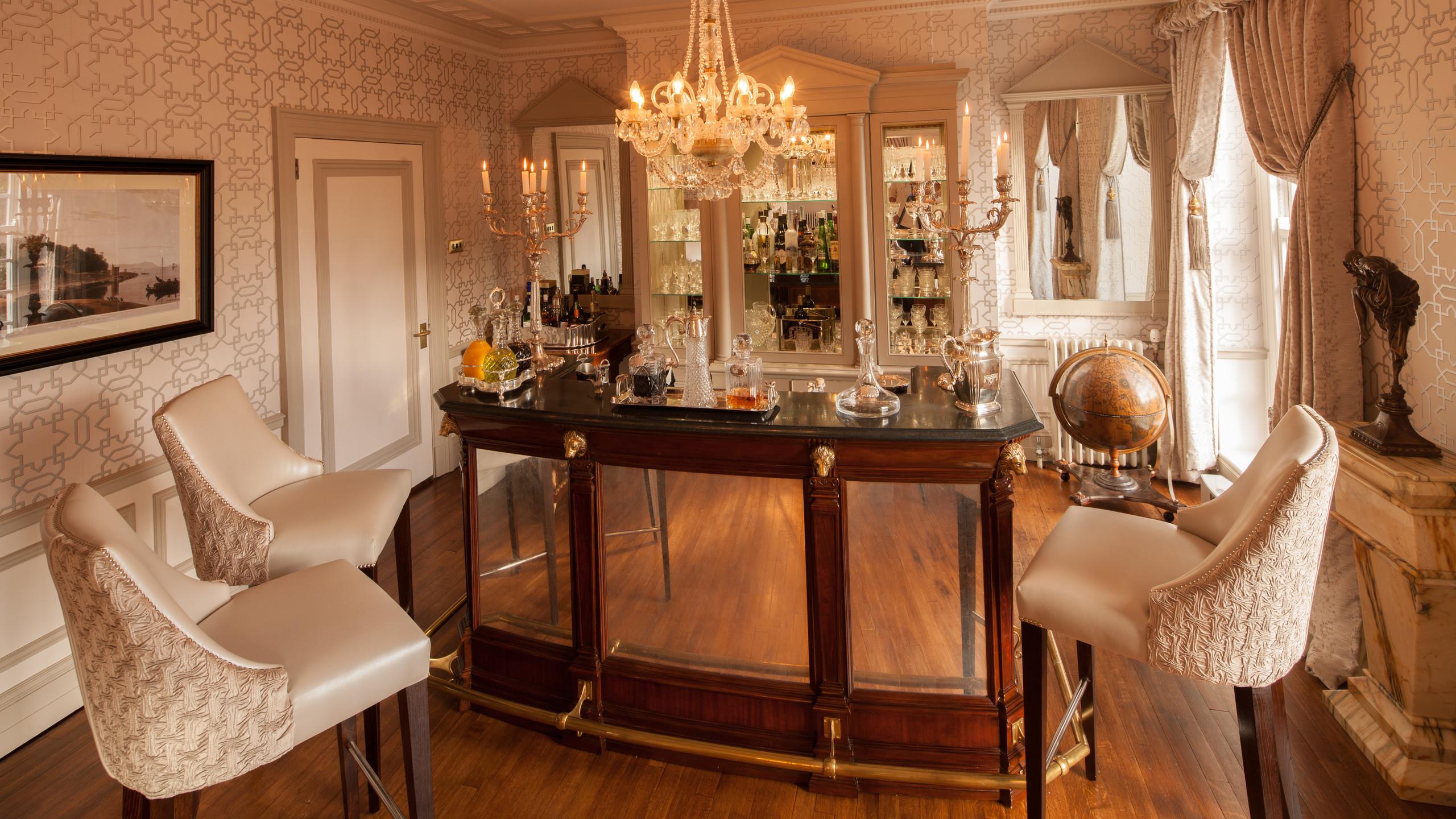 Tredilion House Private Bar Hire