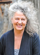 Clairvoyant Healer and Teacher Lisa Pelletier of Deep Roots Studio