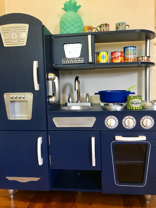 Young Chefs Are Sure To Love Cooking Up Fun With Our Adorable Kidkraft Blue Vintage Play Kitchen This Style Has Doors That Open And