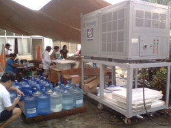 Water for victims of Typhoon Haiyan Philippines.jpg
