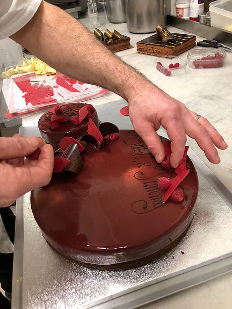 cake-decoration-patisserie-dessert