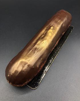 eclair chocolate patisserie cake dessert