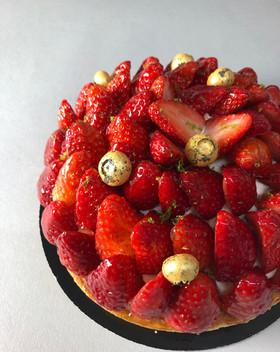 strawberry tart patisserie cake dessert