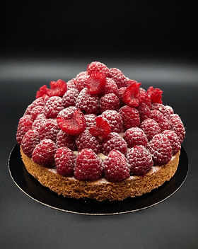 raspberry tart patisserie cake dessert