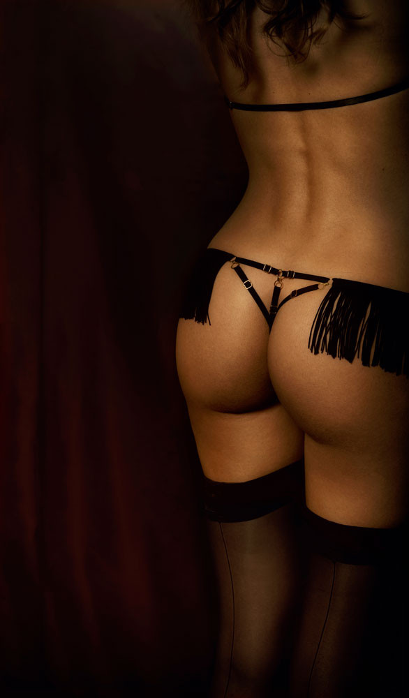 CAVIAR fringes v-string