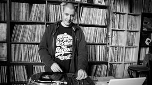 Kratkruipers #16: DJ Grazzhoppa