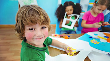 happy-kids-doing-arts-crafts-together-DIY-Kids-Crafts-ss-Feature.jpg