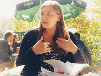 Chloé Debord en séminaire international en Bosnie-Herzégovine autour du travail mémoriel concernant