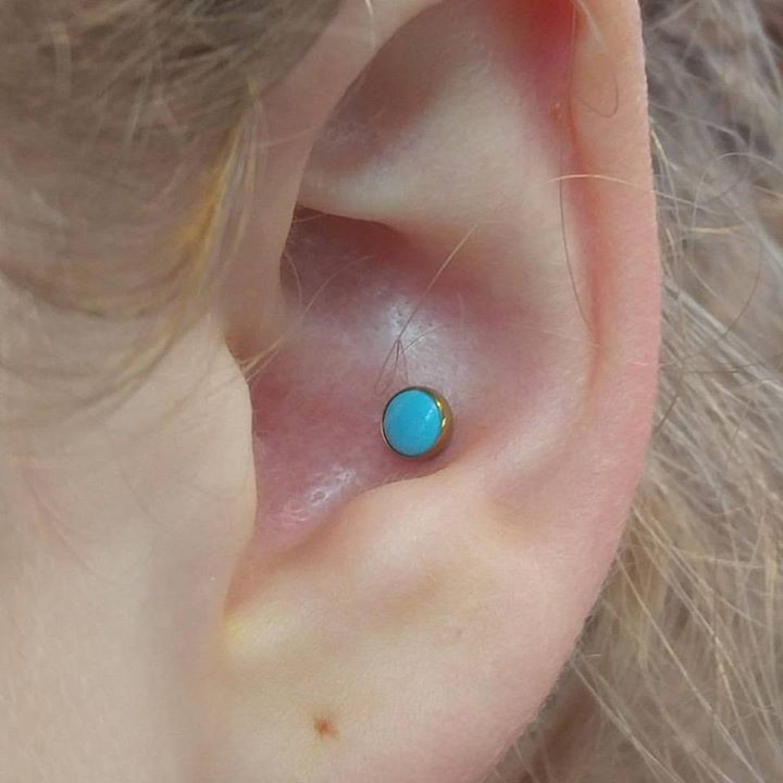 Fresh conch with a yellow anodized turquoise from neometal. We are placing a order soon if you want