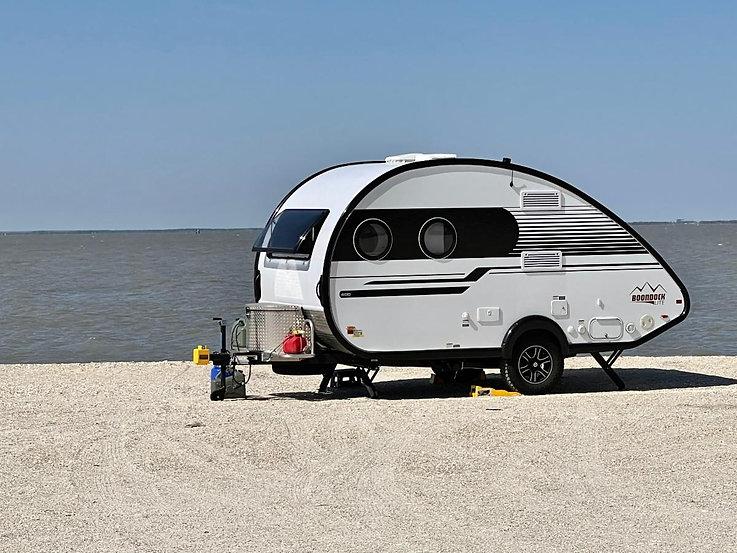 Magnolia Beach Camper2.jpg
